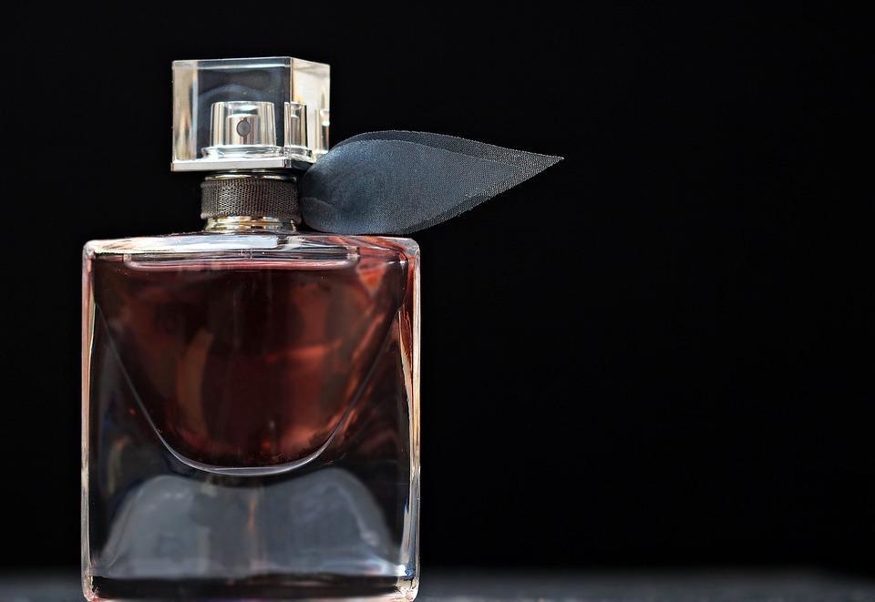 Vidro de Perfume - Simpatias para Atrair o Amor