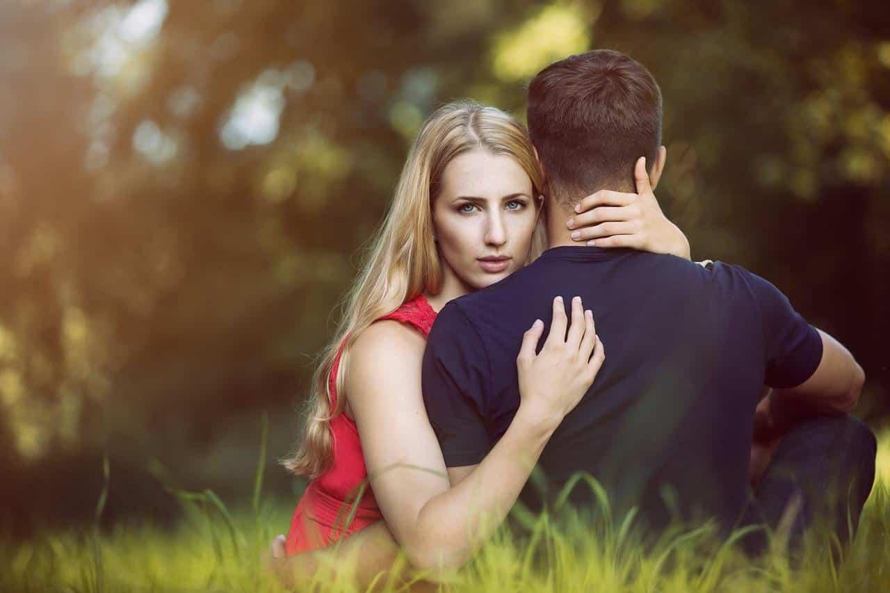 Simpatia para afastar amante do marido para sempre
