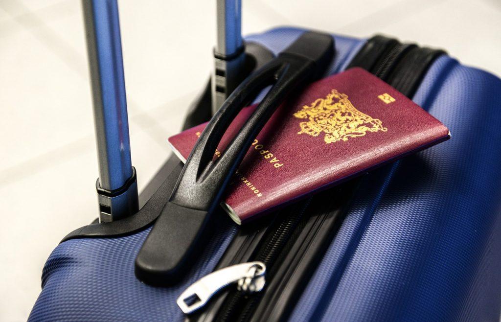 Simpatia do Passaporte para Viajar Mais