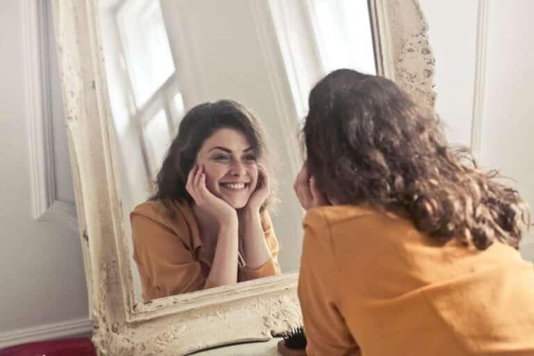 Simpatia do Espelho