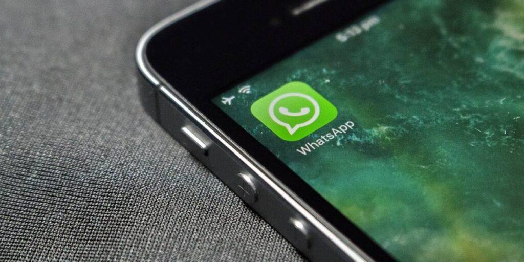 Simpatia para ele me chamar / enviar mensagem no WhatsApp